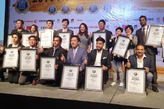 DesignLogics winning the Silver Award for Digital Packaging at Asian Print Awards 2019